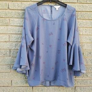 Lauren conrad blue floral flutter sleeve blouse